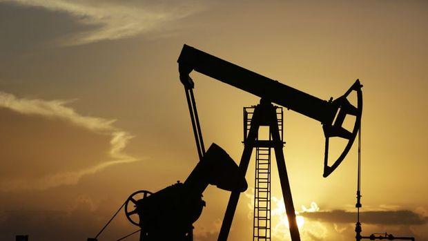 """Petrol """"artan ABD stokları"""" ile düşüşü 4. güne taşıyor"""