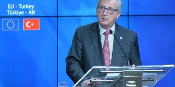 Juncker: Vize serbestisi 2016
