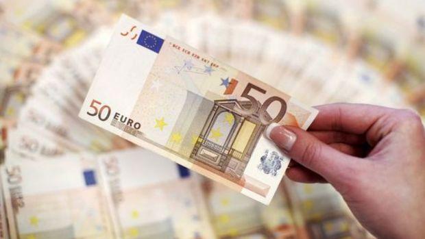 Euro para politikaları ayrılığı beklentisiyle düştü