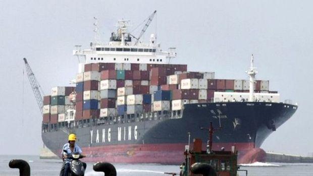 Çin'de ihracat düşüşünü beşinci aya taşıdı