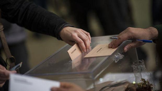 İspanya seçimlerinden tek başına iktidar çıkmadı