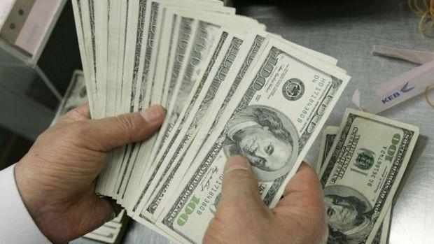 Dolar Fed'in faiz artırımını geciktirebileceği beklentisiyle zayıfladı