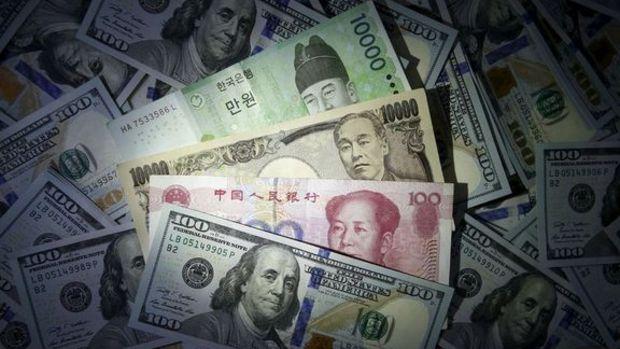 Gelişen ülke para birimleri iki haftanın yükseğinden petrolle düştü