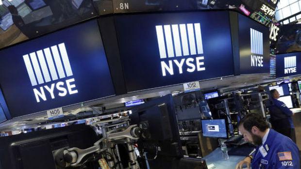 Wall Street 2015'in son haftasına düşüşle başladı