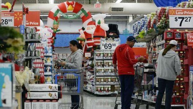 Amerikalılar Noel'de kesenin ağzını açtı