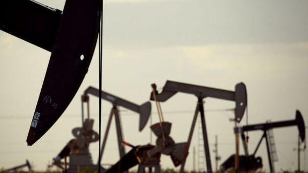 Petrol ABD stok beklentisiyle yönünü yukarı çevirdi