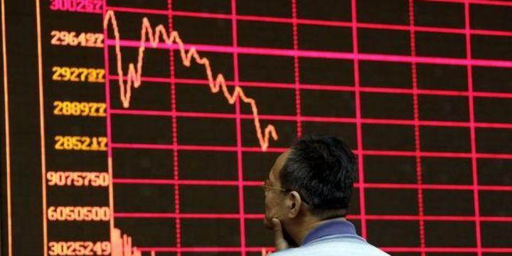 """Çin büyük yatırımcıların hisse """"satış yasağını"""" yeniledi"""