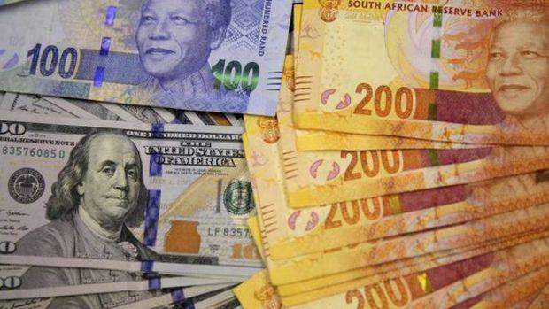 G. Afrika randı rekor seviyeye düştü