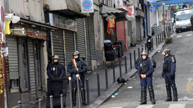 Paris'teki canlı bombanın kimliği belirlendi