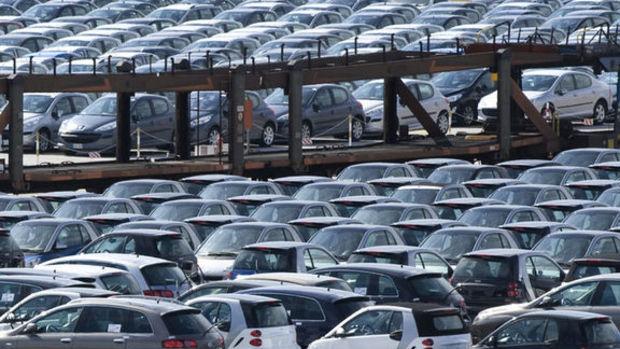 Oto ve hafif ticari araç satışları 2015'te % 26 arttı