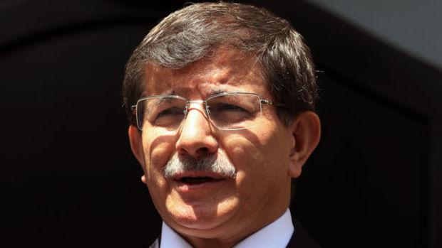 Davutoğlu: Ateşkes Suriye için geçerli, Türkiye için bağlayıcı değil