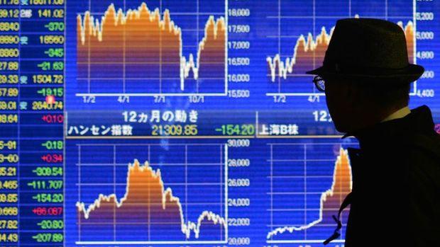 """Japonya hisseleri """"ihracatçılar"""" ile düştü"""