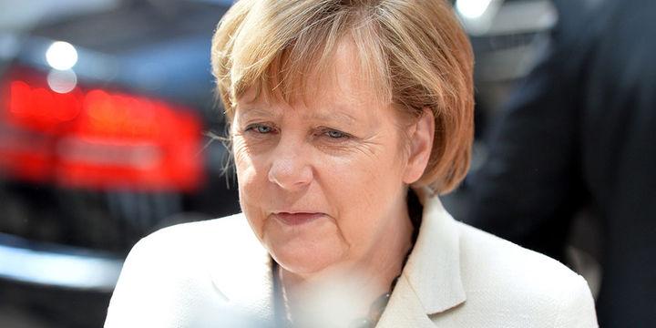 Merkel: Partimin düşük oy olmasında mülteci krizi rol oynadı