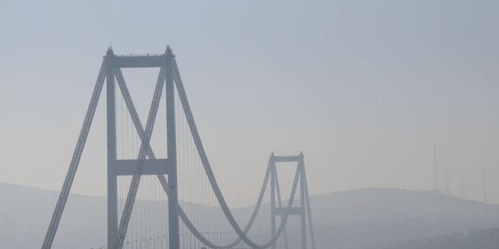 Boğaziçi Köprüsü bomba şüphesiyle kapatıldı