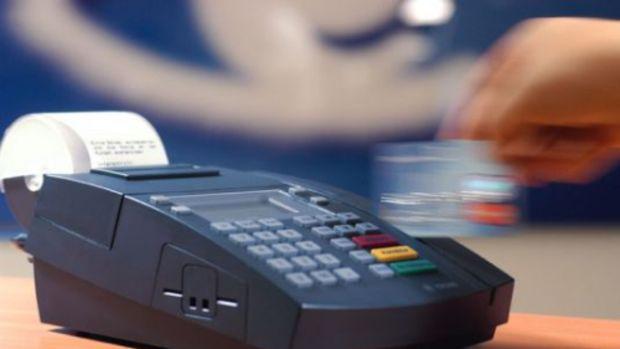 Kredi kartları gözden düşüyor mu?