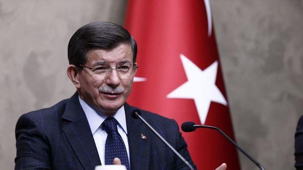 Davutoğlu: Önümüzdeki ay anayasa yazım çalışması bitecek