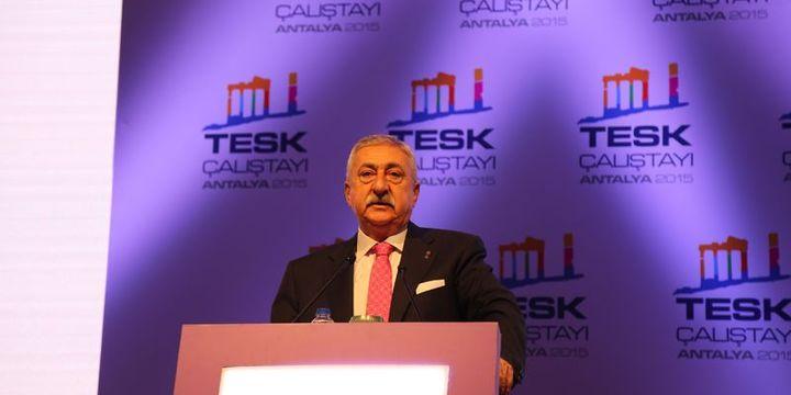 Palandöken: Türkiye, el freni çekilmiş yarış arabası gibi