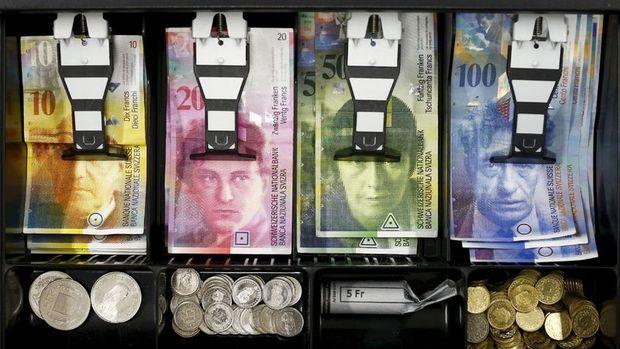 İsviçre kağıt paralarını değiştiriyor