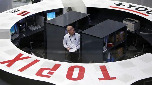 """Japonya hisseleri """"yen"""" ile düştü"""