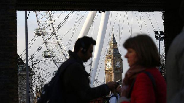 İngiltere sanayi üretimi Şubat'ta geriledi