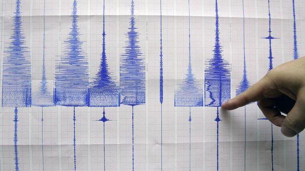 Pakistan-Afganistan sınırında 6,6 büyüklüğünde deprem