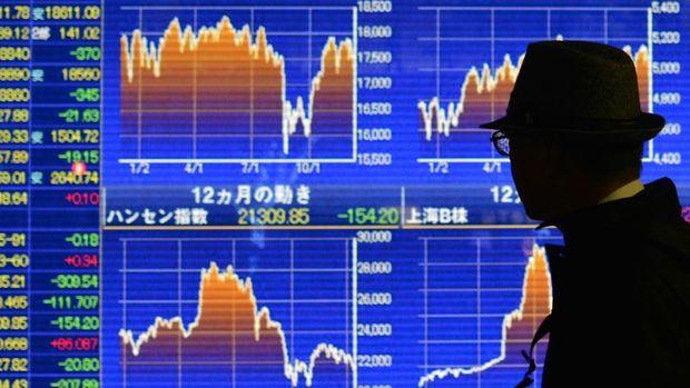 """Japonya hisseleri """"güçlü yen"""" ile düştü"""