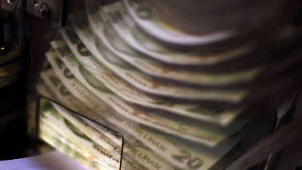 Hazine 3,6 milyar lira borçlandı