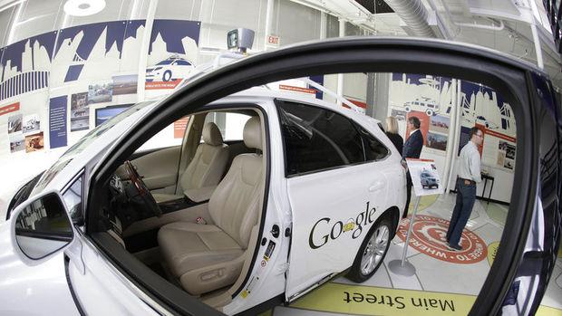 Google Fiat Chrysler'la sürücüsüz araba üretecek