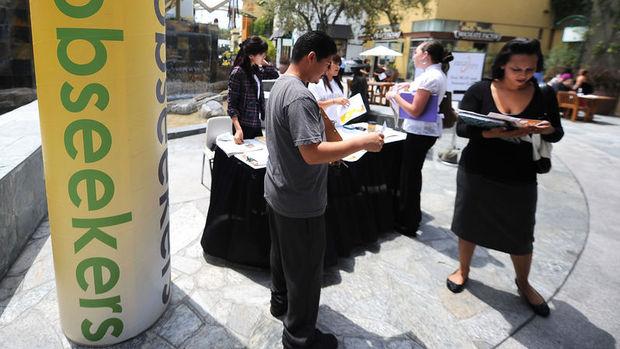 ABD işsizlik başvuruları bir yılın zirvesinden geriledi