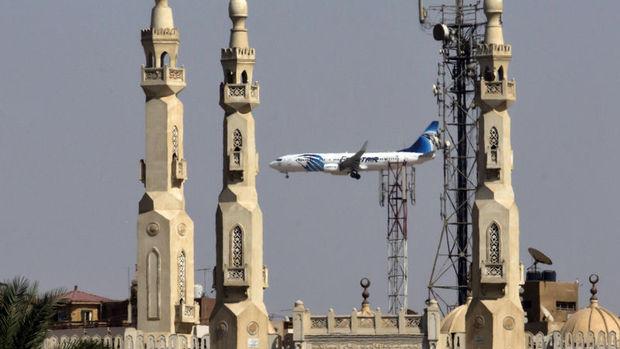 Mısır uçağında çıkan yangın 'bomba' olasılığını güçlendiriyor