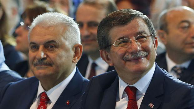 Binali Yıldırım Ahmet Davutoğlu ile bir araya geldi