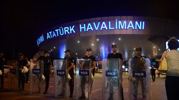 Dünya Atatürk Havalimanı'ndaki terör saldırısını tepkiyle karşıladı