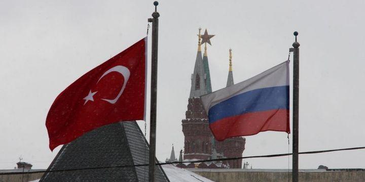 """""""Türkiye-Rusya arası charter uçuşlar bir aya başlayabilir"""""""
