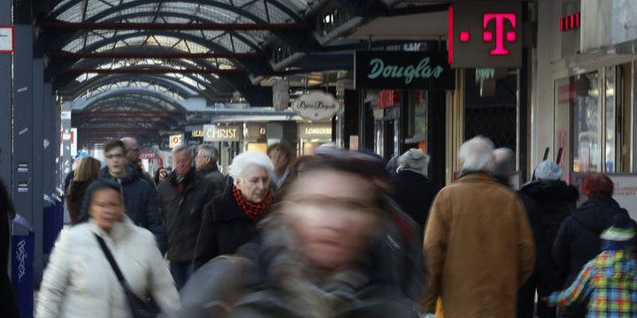Euro Bölgesinde enflasyon pozitife döndü