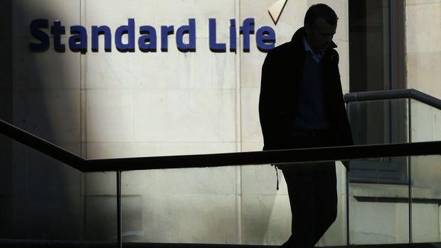 Standard Life İngiltere'de konut fonlarını askıya aldı