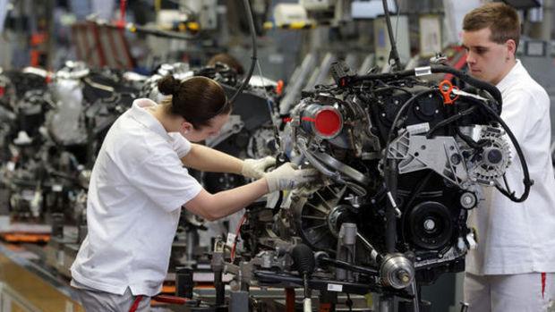 ABD'de fabrika siparişleri Mayıs'ta beklenenden fazla daraldı