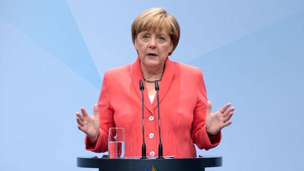 Merkel: Kalıcı güvenlik ancak Rusya'yla birlikte sağlanabilir