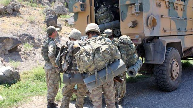 Hakkari'de askere bombalı saldırı: 5 asker şehit