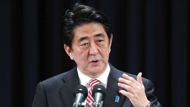 Japonya'da Abe'nin koalisyonu seçimi kazandı