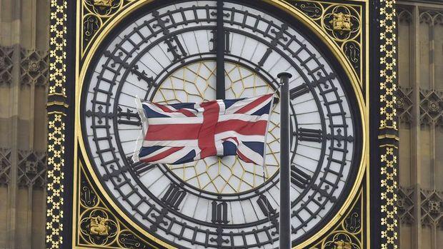 İngiliz avukatlar: Referandum sonucu hükümeti bağlayıcı değil