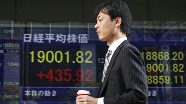 """Japonya hisseleri """"teşvik"""" beklentileriyle kazançlarını ikinci güne taşıdı"""