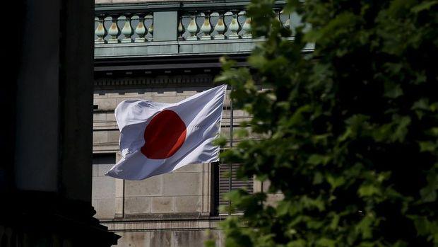 Yatırımcılar Abe'nin Salı günü açıklanacak teşvik paketine odaklandı