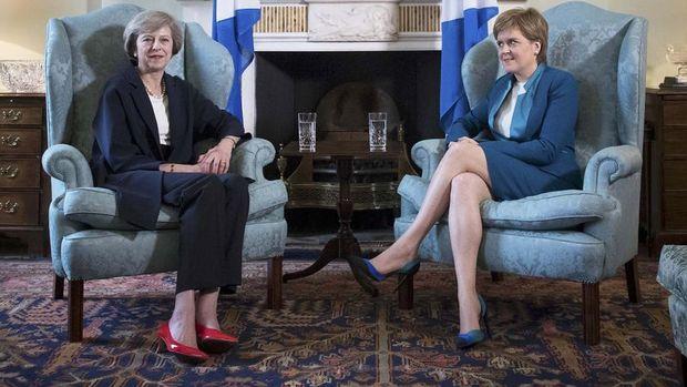 İngiltere Başbakanı May, İskoçya'da