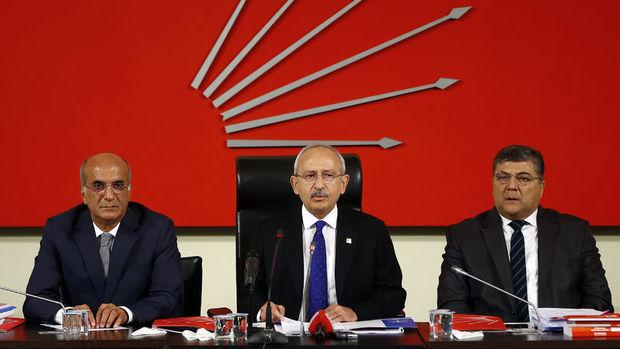 CHP PM ve TBMM Grubu: TSK içindeki bir cuntanın darbe girişimini lanetliyoruz
