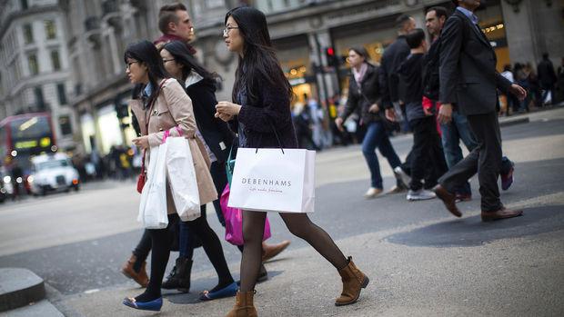 İngiltere enflasyonu beklentinin üzerinde arttı