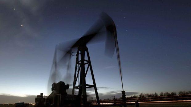 Petrol stoklardaki düşüşle yükselişini sürdürdü
