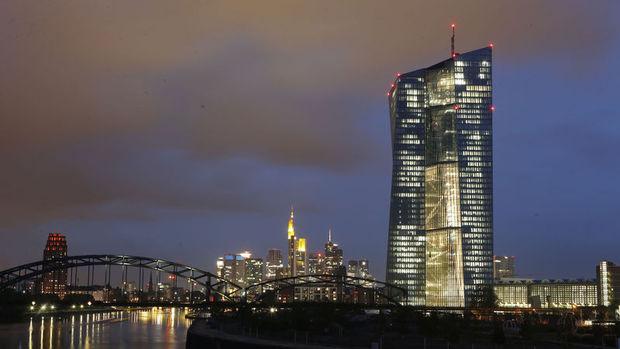 """Draghi """"Brexit"""" sonrası ek teşvik sinyali verebilir"""