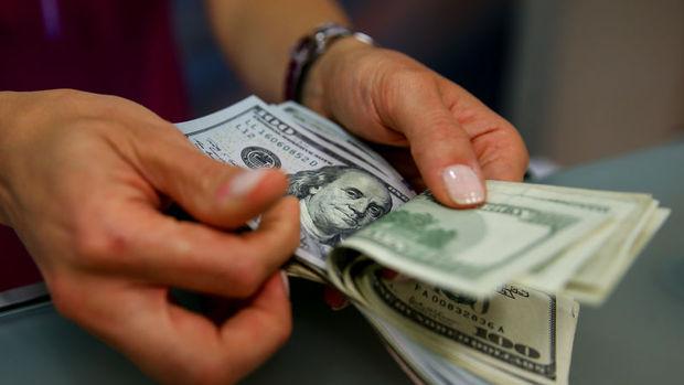 3.04'e kadar gerileyen Dolar/TL yeniden yükseldi