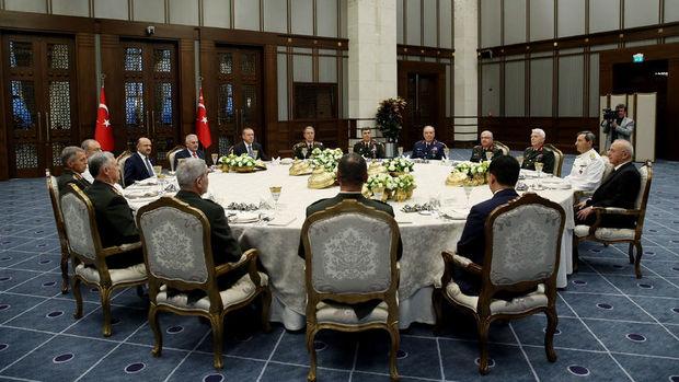 Millİ Savunma Bakanı ve Genelkurmay Başkanı Beştepe'de