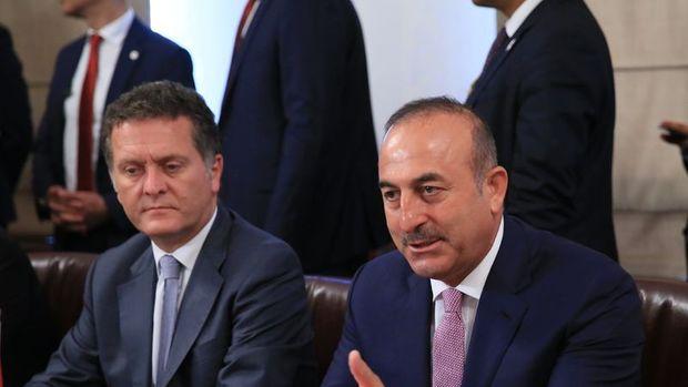 Çavuşoğlu: Gülen'in ABD'den kaçmasının önlenmesini istedik